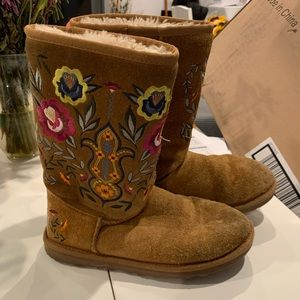 Ugg Juliette embroidered boot